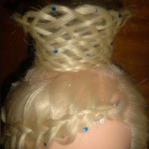 Прическа корона из волос для девочек