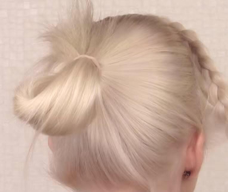 красивый пучок из волос пошаговое фото