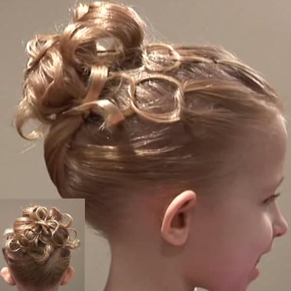 Праздничный вариант хвоста на выпускной (утренник) на волосы до плеч