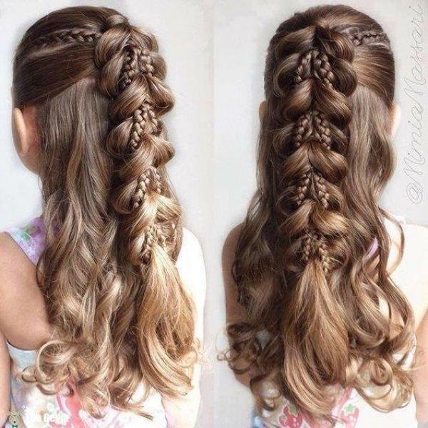 Коса из хвостиков с резинками для девочки в школу сад